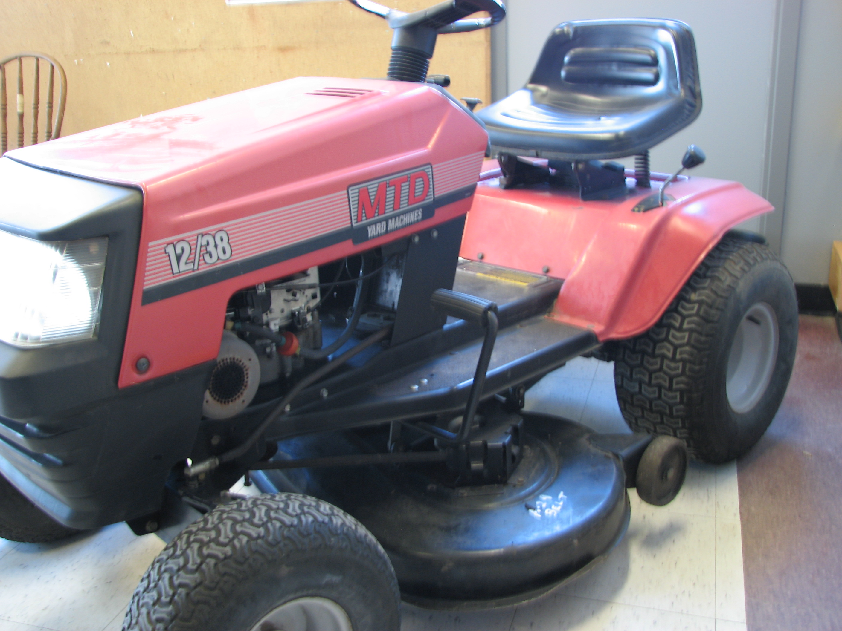 2010 MTD Riding Tractor Mower